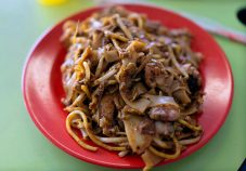 Outram-park-fried-kway-teow-charles-haynes